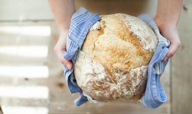 Für Hobbybäcker und Brotliebhaber: Brot backen mit dem Gärkorb, so gelingt Sauerteig ganz einfach!