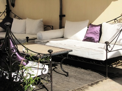 Marokkanische Einrichtung - Sofa mit Metallgestell