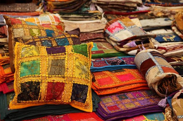 Bunte Indische Kissen