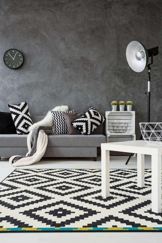 Sofa Grau Und Teppich In Schwarz Weiß Monochromatische Wohnzimmereinrichtung