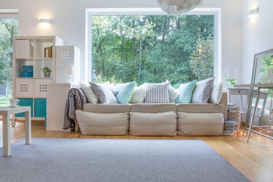 Gemütliches Sofa Beige Im Landhausstil