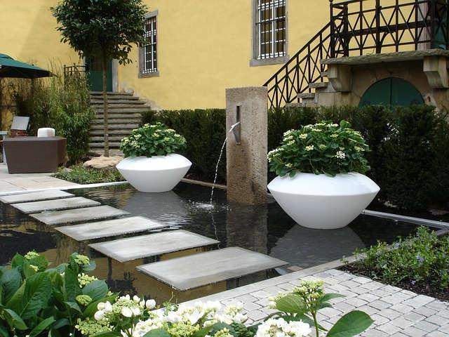 Gartengestaltung Ideen Mit Teich Und Teichbr 252 Cken Aus Holz