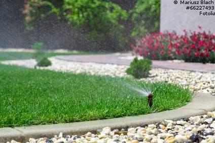Rasensprenger mit Hauswasserwerk betreiben